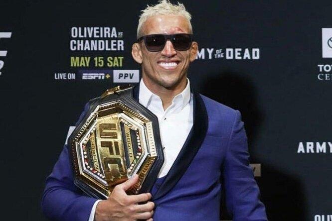 Новый чемпион UFC рассказал, сколько зарабатывают бойцы насамом деле