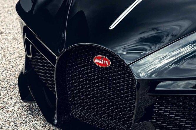 Bugatti представили окончательную версию автомобиля заодин миллиард рублей