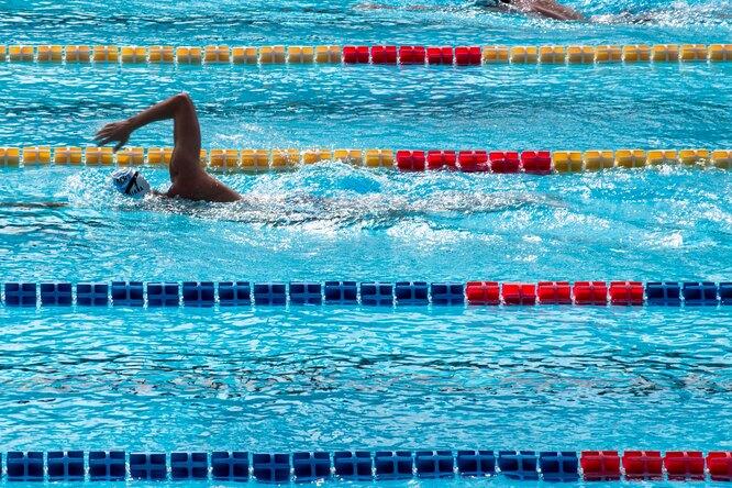 Пловец изРоссии побил мировой рекорд надистанции 50 метров наспине
