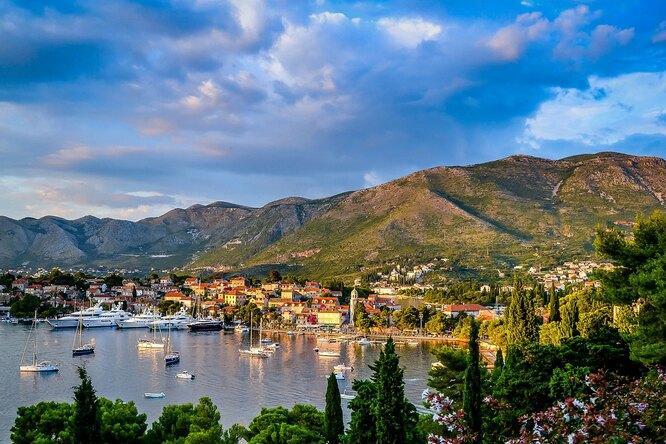 Черногория отменила все ограничения напосещение страны дляроссиян