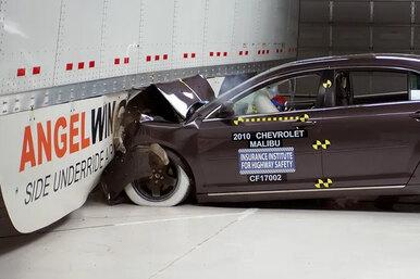 Чем так опасно столкновение сприцепом грузовика надороге