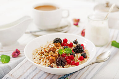 Протеиновая овсянка: как сделать полезный завтрак идеальным