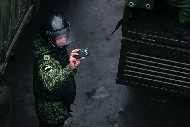 Для российских военных выпустят отечественные смартфоны иприложения дляработы