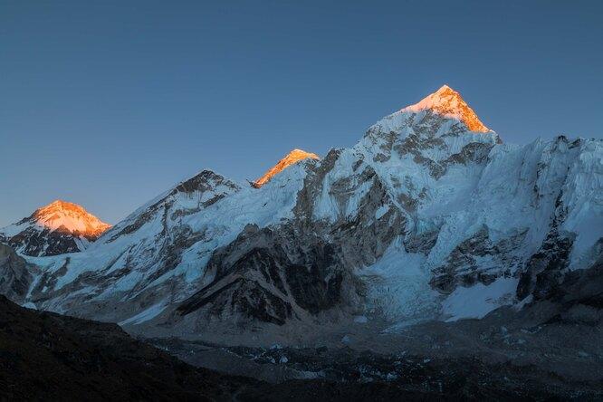 Китай проведет разделительную линию сНепалом навершине Эвереста