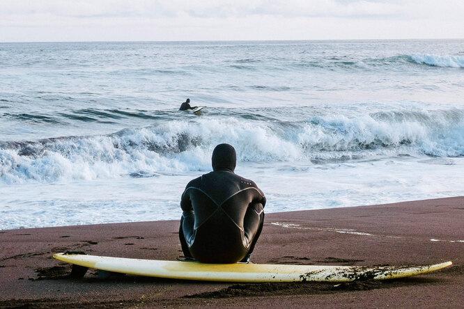 Гид посерфингу наКамчатке: как подготовится ккатанию похолодным волнам