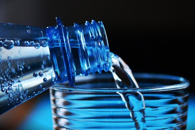 Правда ли, что питьевая вода избутылок безопасна?