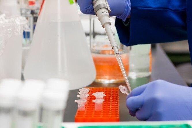 В России начали клиническое исследование новой вакцины откоронавируса
