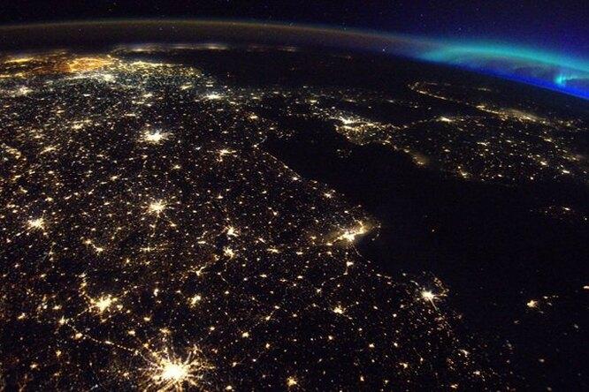 Почему Бельгия — самая яркая страна Земли вночное время?