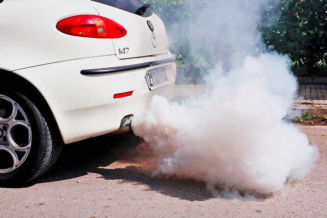 Густой дым издизельного двигателя: чем это чревато?