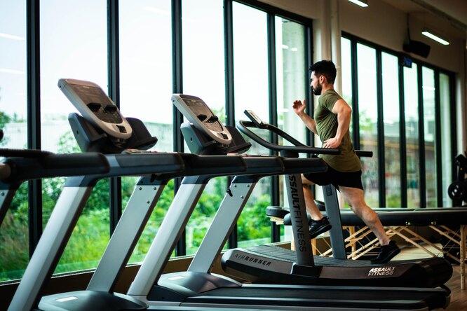 ВЦИОМ: каждый второй россиянин занимается спортом или фитнесом