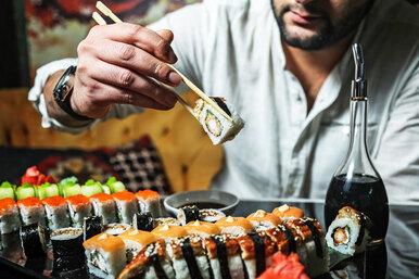 Чем вредно слишком частое употребление суши?