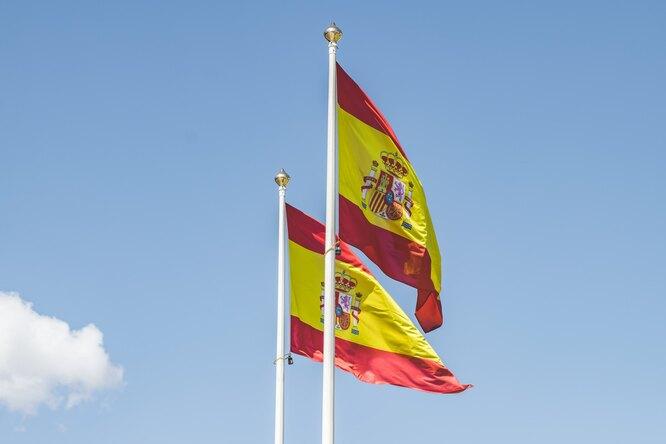 Сразу два игрока сборной Испании пофутболу заболели COVID-19
