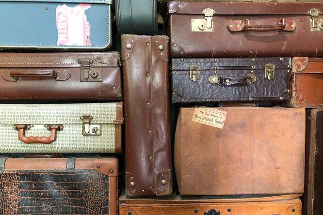 Россиянин забыл наулице чемодан с15 миллионами рублей — он слишком спешил вкомандировку