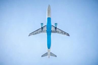 Может ли пассажирский самолет выполнить фигуры высшего пилотажа?