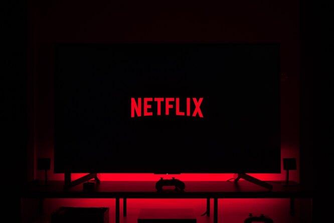 Netflix представил трейлер научно-фантастического фильма встиле «Погребенный заживо»