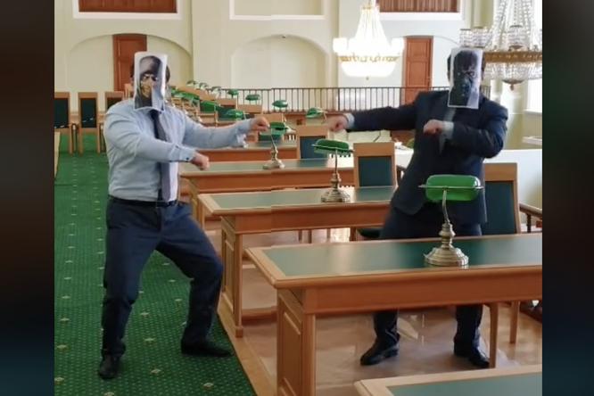 Сотрудники библиотеки вПетербурге после драки читателей сняли ролик дляTikTok сотсылками кMortal Combat