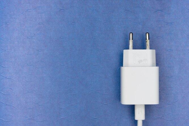 Уже осенью появится единый стандарт зарядки смартфонов