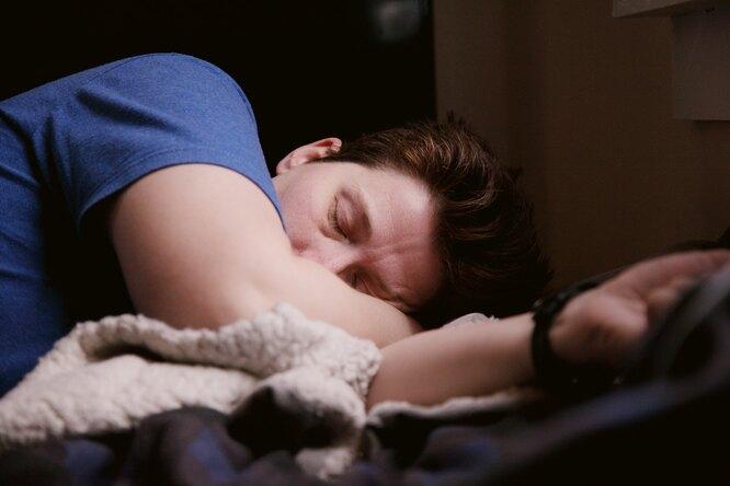 Почему нам порой снятся странные инепонятные сны: мнение ученых