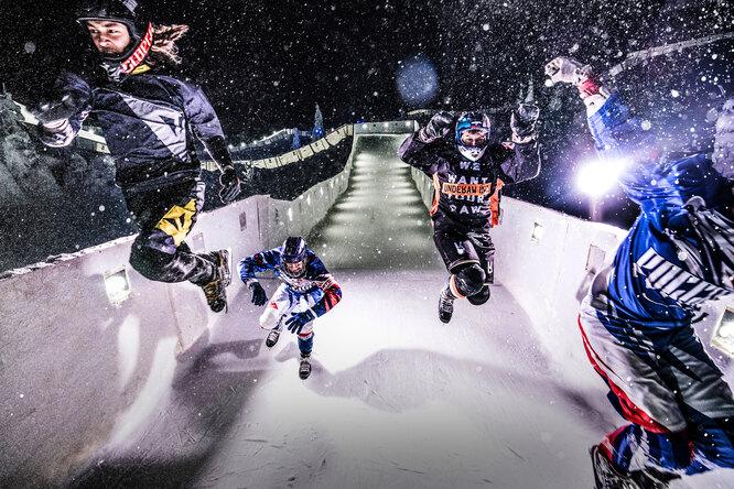 Что такое Ice Cross: рассказывает чемпион мира побегу налезвиях