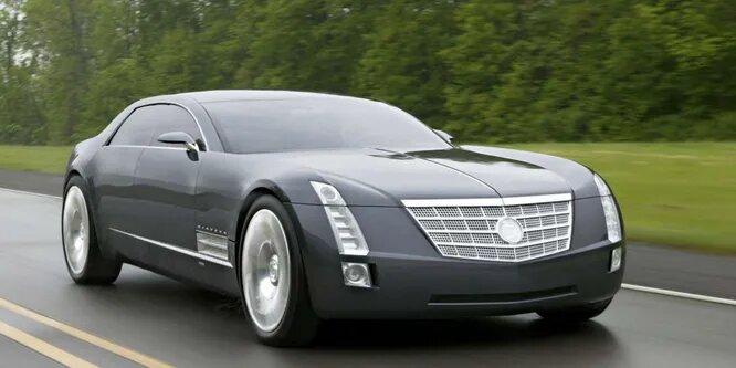 <br />Cadillac Sixteen оказался представлен публике в 2003 году, как поклон знаменитому Cadillac V16 от 1930 года. Как и предшественник, Sixteen так же был оборудован мощнейшим 13.6-литровым движком V16, выдающим 1000 л.с.<br />&nbsp;