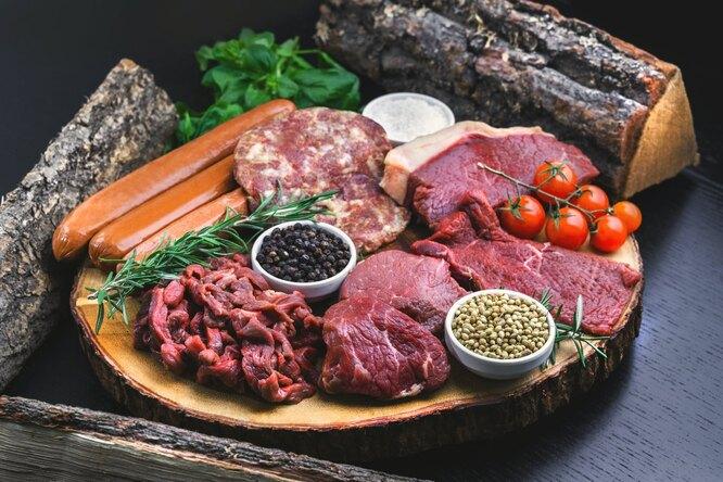 С какими продуктами нельзя сочетать мясо? Отвечает врач