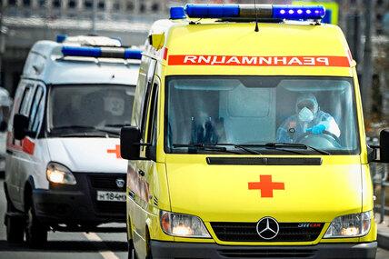 Почему наавтомобилях «скорой помощи» название написано наоборот?
