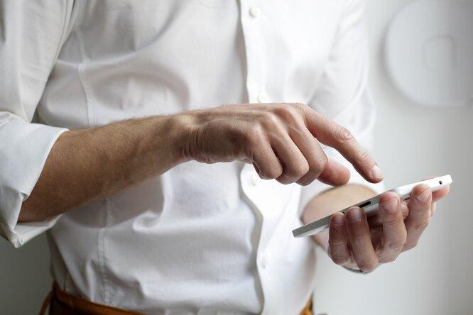 3 признака того, что вы уже неможете жить безтелефона