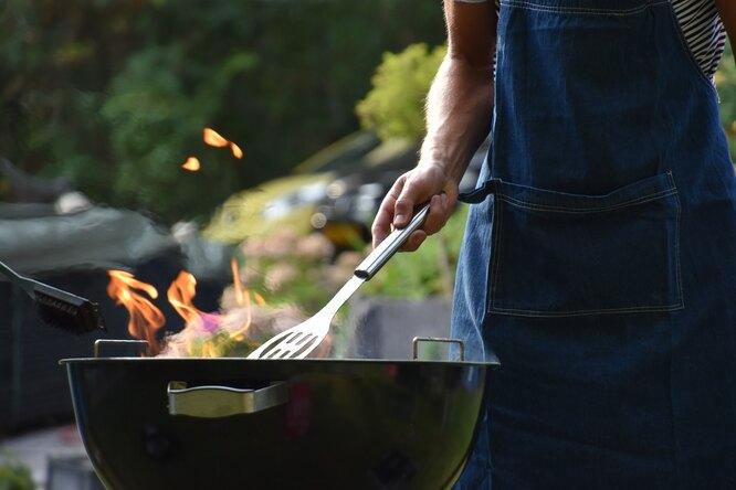 Как защититься отканцерогенов, готовя мясо наоткрытом огне?