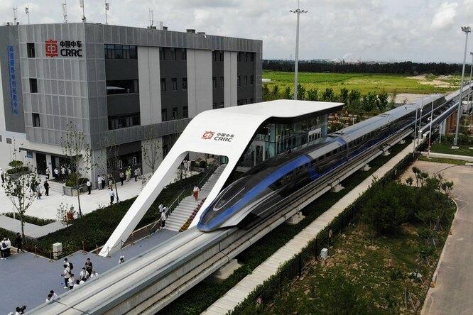 Самый быстрый вмире поезд создали вКитае — он способен обогнать самолет
