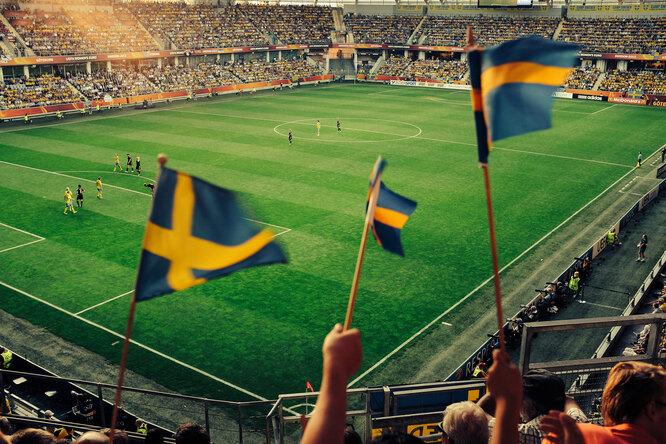 В Швеции болельщиков вернули настадионы — впервые футболистов больше, чем фанатов