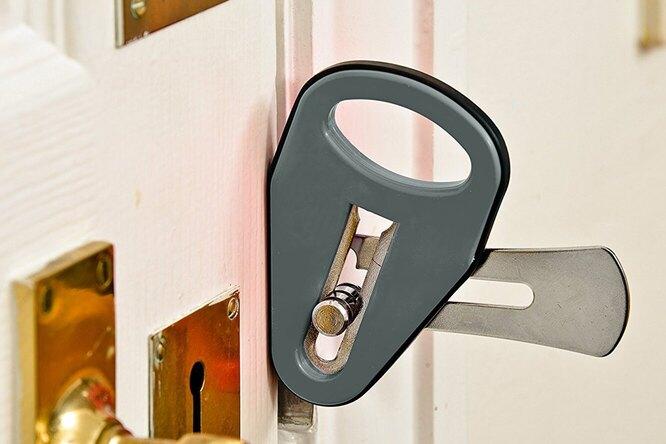 Как запереть любую дверь ине бояться случайных визитов