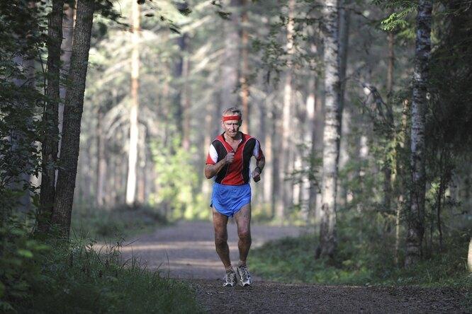 80-летний пенсионер установил рекорд России полегкой атлетике