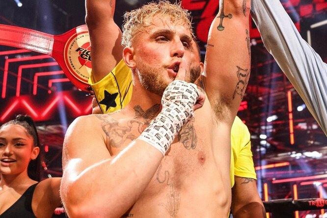 Блогер Джейк Пол победил экс-чемпиона UFC раздельным решением судей