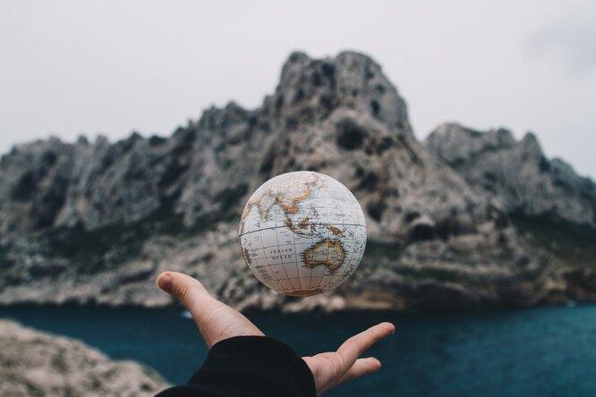Почему ученые называют Землю «тюрьмой»: побег вкосмос