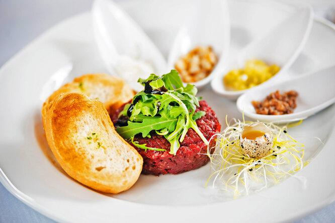 Можно ли есть сырое мясо: тартар, суши, карпаччо, севиче