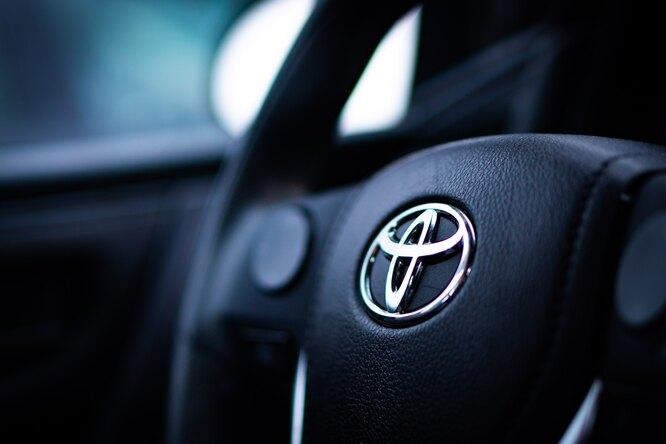 Toyota представила автомобили с«безопасной» технологией вождения