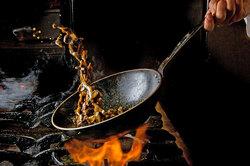 Какие кухонные ошибки превращают даже самую полезную еду вопасную?
